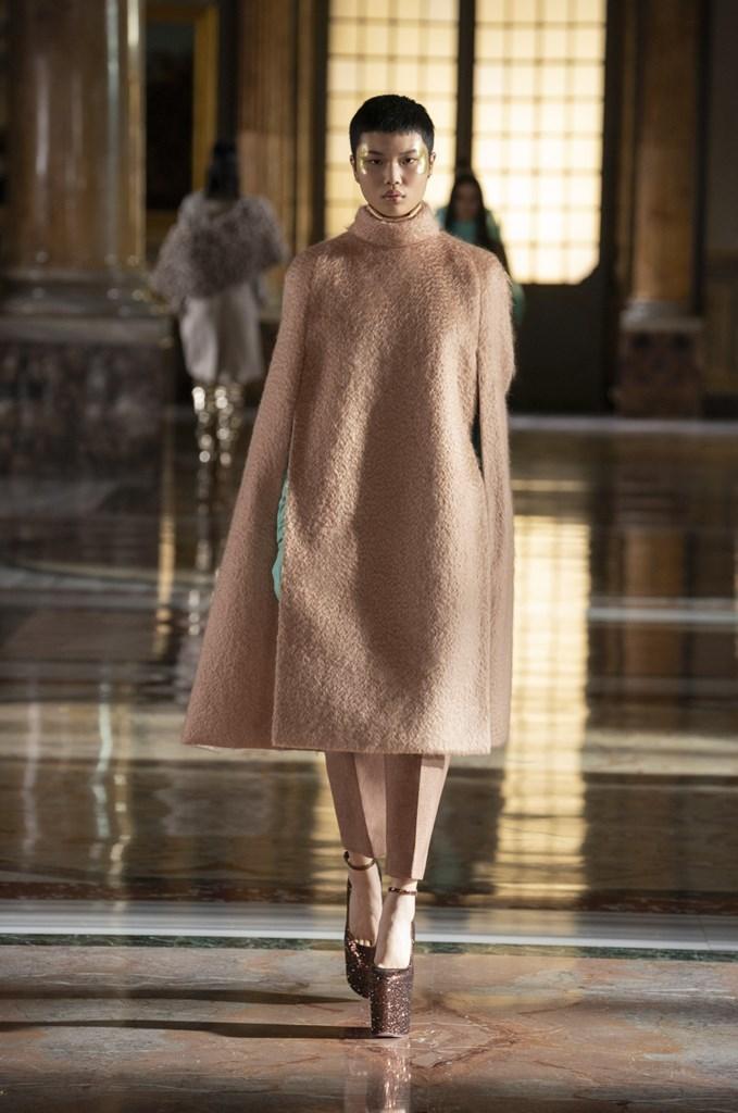 Valentino_SS21_Couture_Fashionela (53)