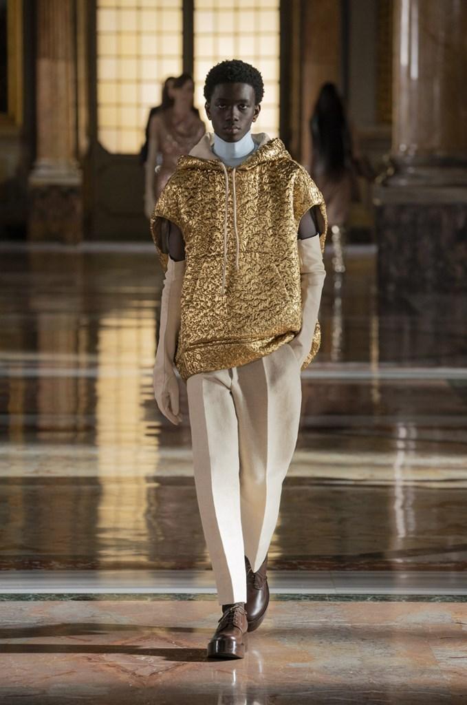 Valentino_SS21_Couture_Fashionela (58)