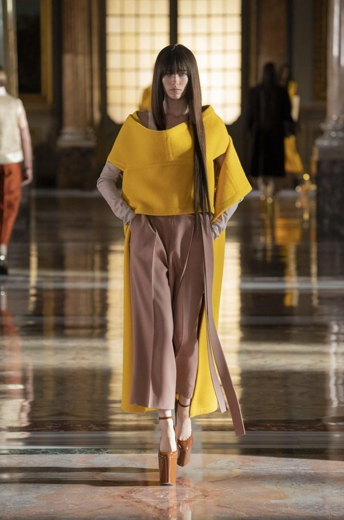 Valentino_SS21_Couture_Fashionela (63)