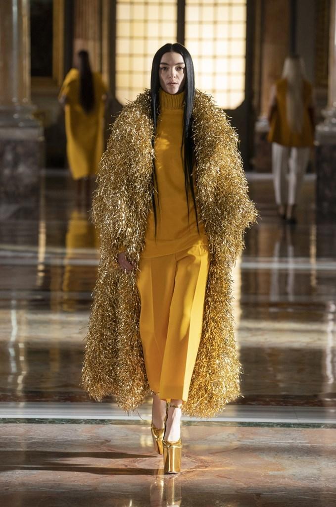 Valentino_SS21_Couture_Fashionela (67)