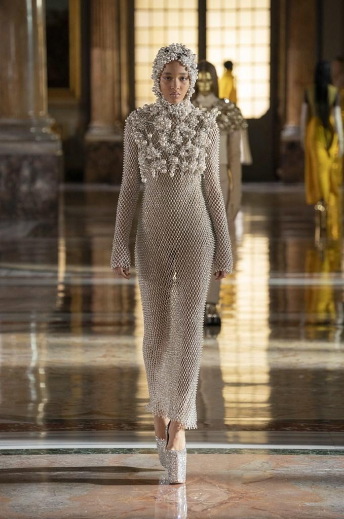 Valentino_SS21_Couture_Fashionela (69)