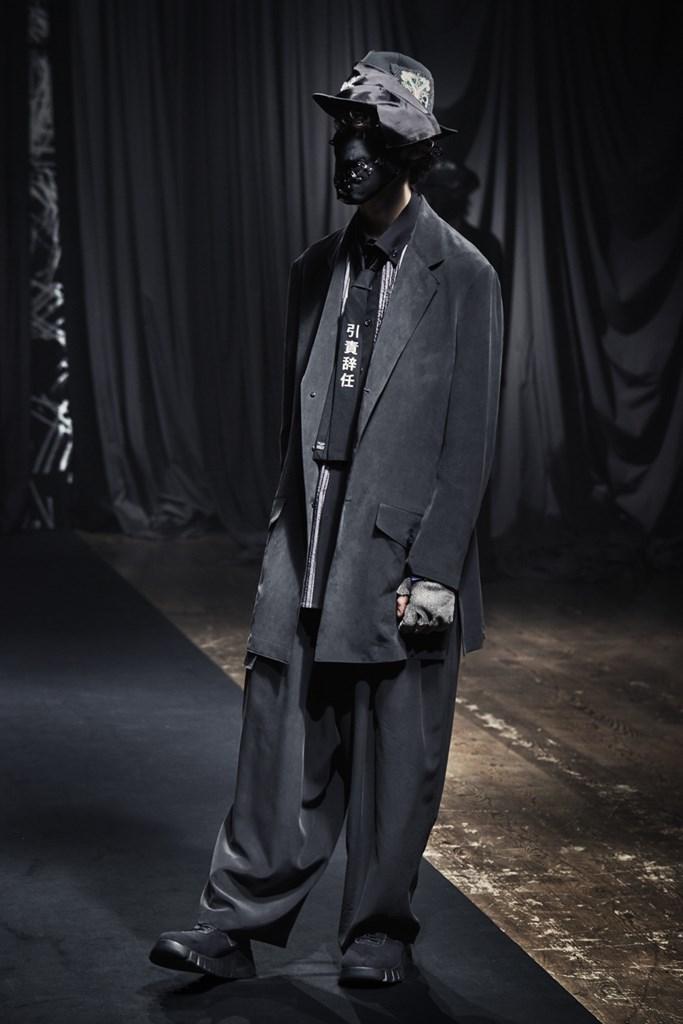 Yohji Yamamoto_Fall2021_Fashionela (16)