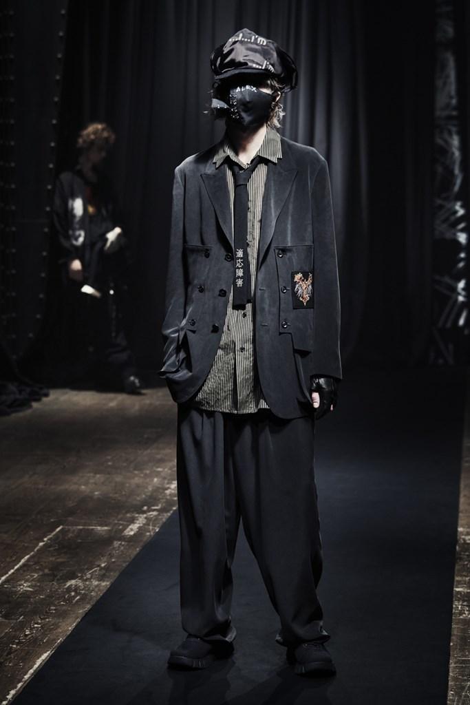 Yohji Yamamoto_Fall2021_Fashionela (17)