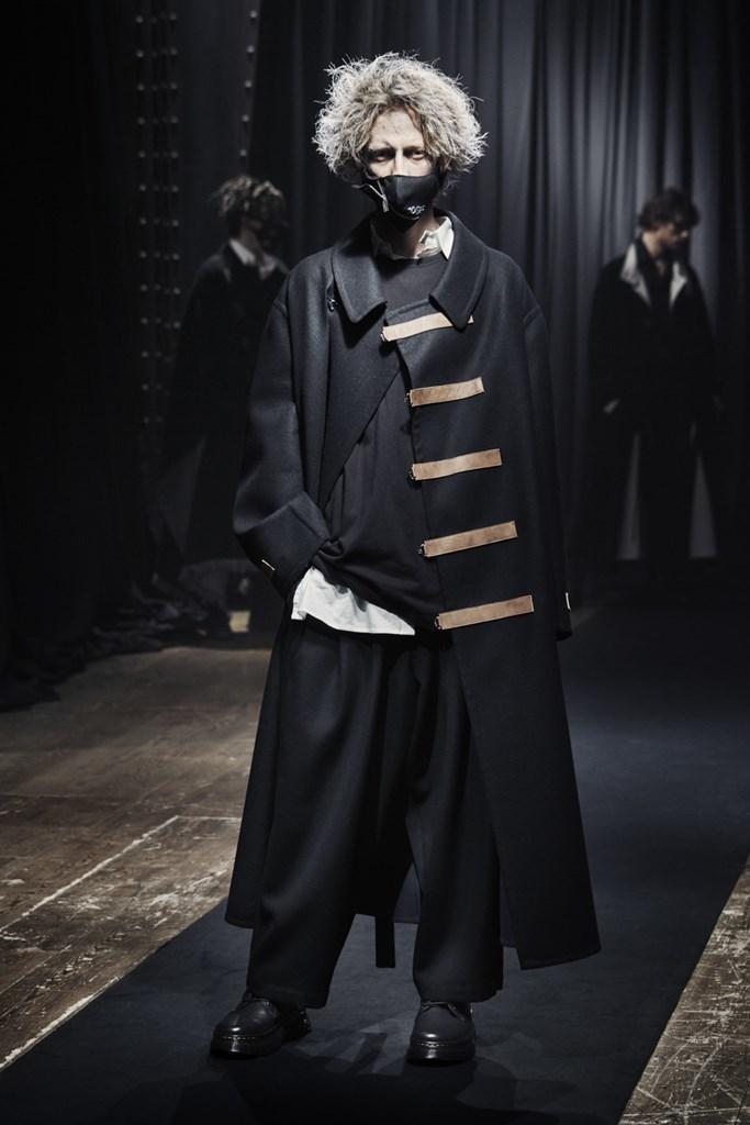 Yohji Yamamoto_Fall2021_Fashionela (20)