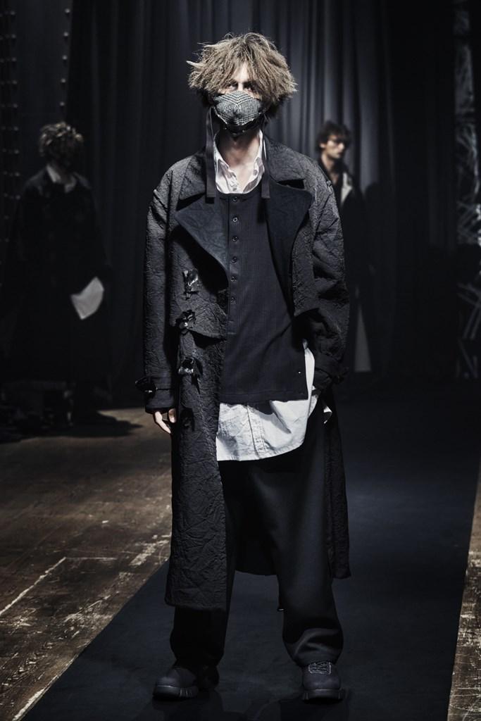 Yohji Yamamoto_Fall2021_Fashionela (21)