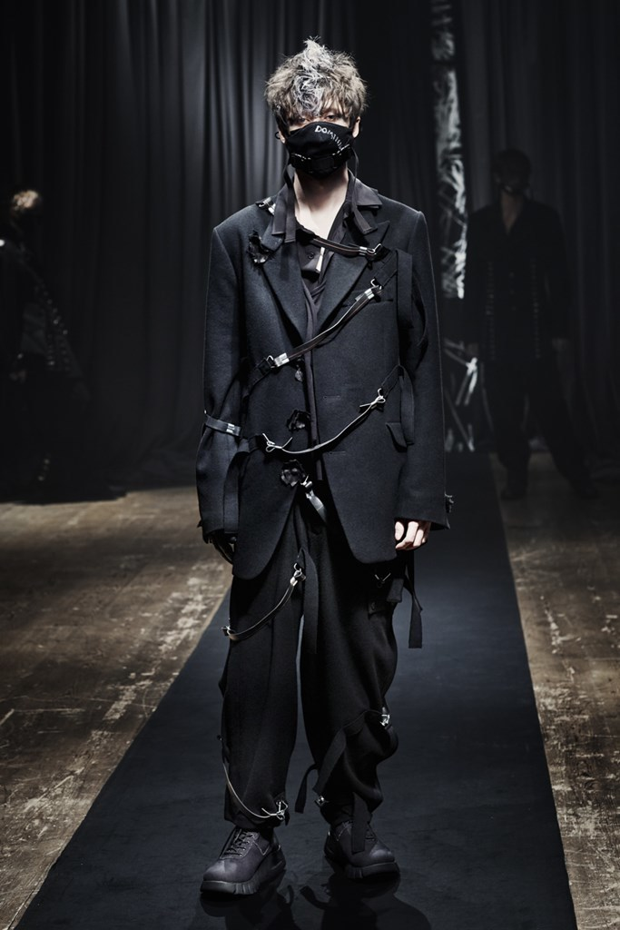Yohji Yamamoto_Fall2021_Fashionela (6)