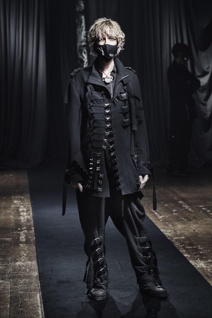 Yohji Yamamoto_Fall2021_Fashionela (8)