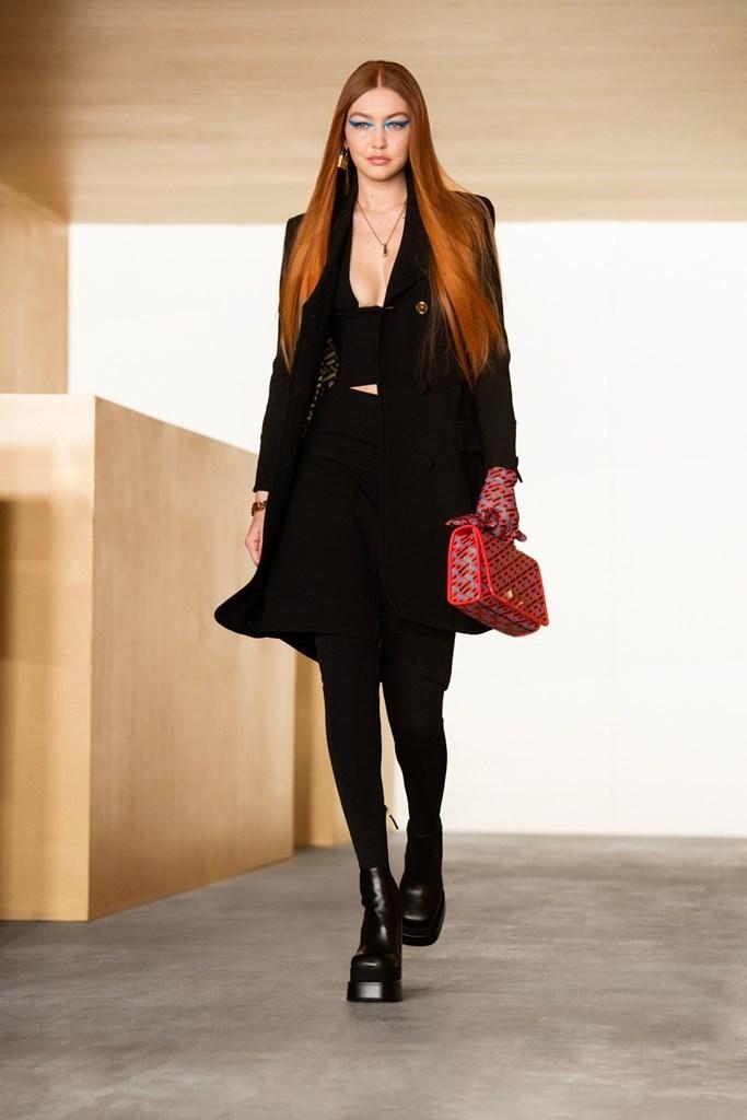 Versace_Fall2021_Fashionela (1)