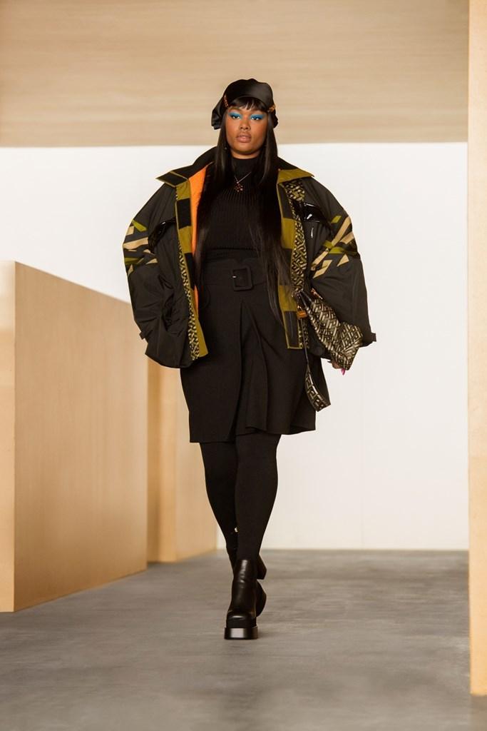 Versace_Fall2021_Fashionela (19)