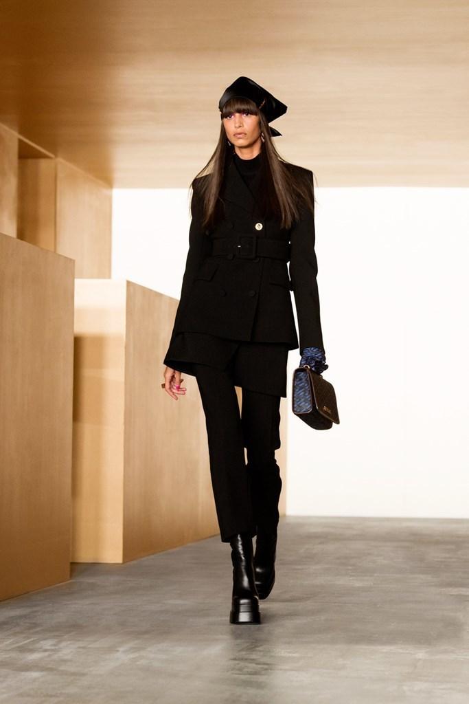 Versace_Fall2021_Fashionela (2)