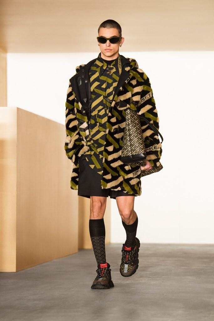Versace_Fall2021_Fashionela (20)