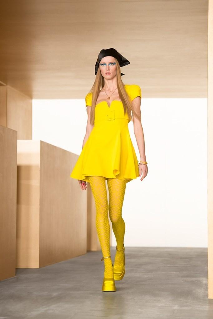Versace_Fall2021_Fashionela (36)