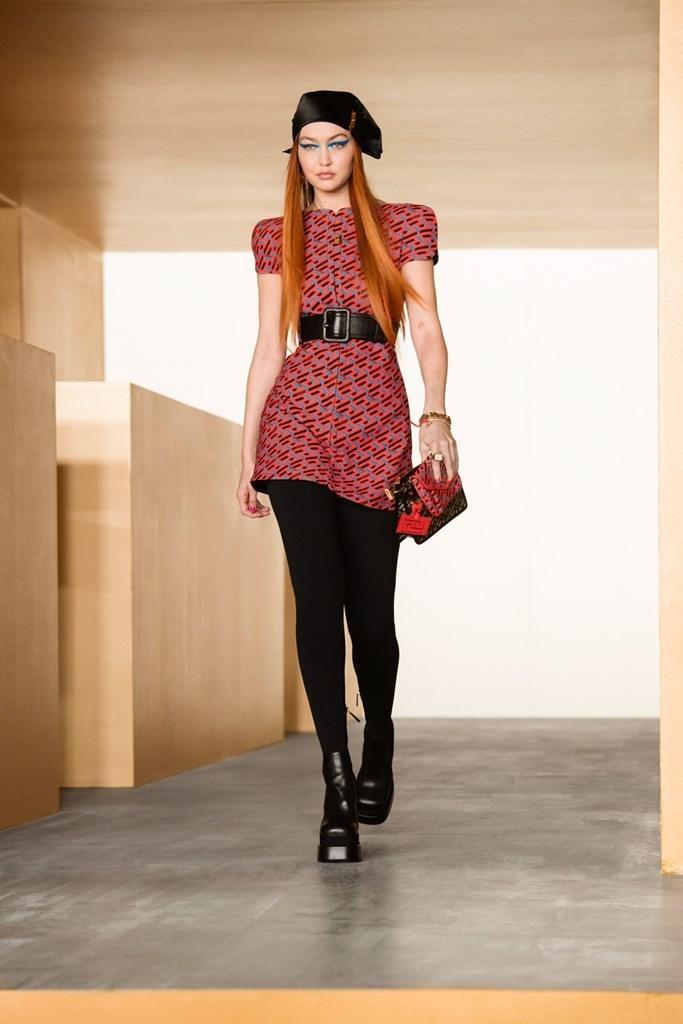 Versace_Fall2021_Fashionela (39)