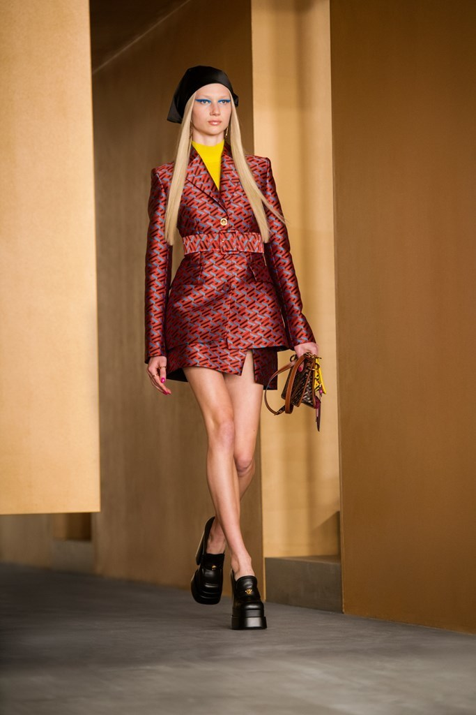 Versace_Fall2021_Fashionela (44)