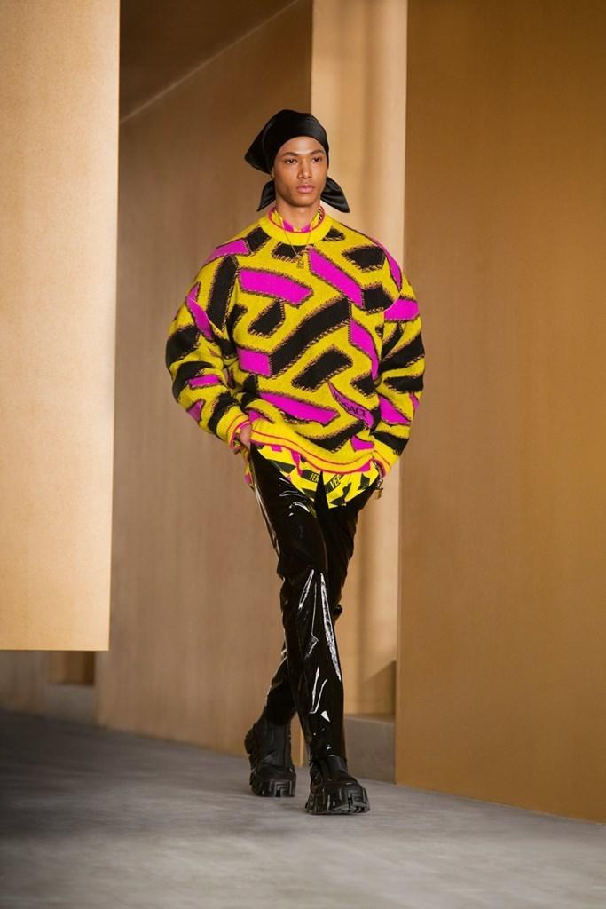 Versace_Fall2021_Fashionela (46)