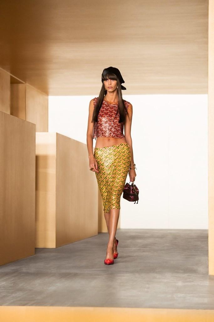 Versace_Fall2021_Fashionela (47)