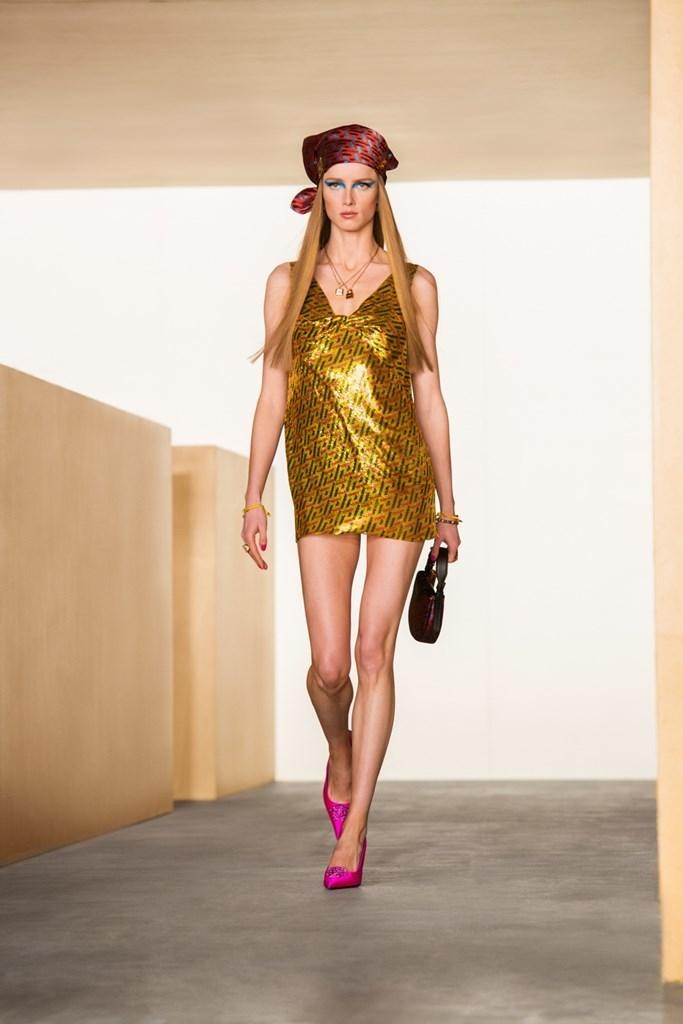Versace_Fall2021_Fashionela (49)