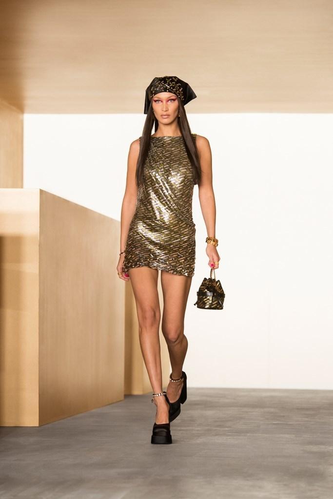 Versace_Fall2021_Fashionela (51)