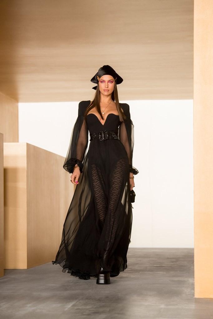 Versace_Fall2021_Fashionela (55)