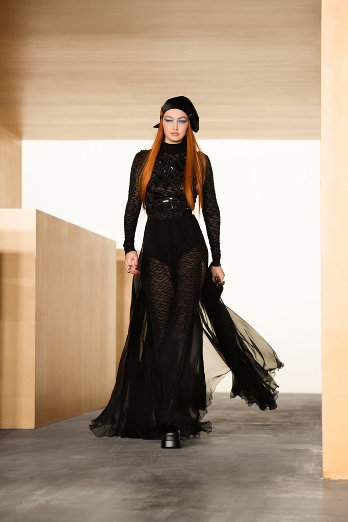 Versace_Fall2021_Fashionela (59)