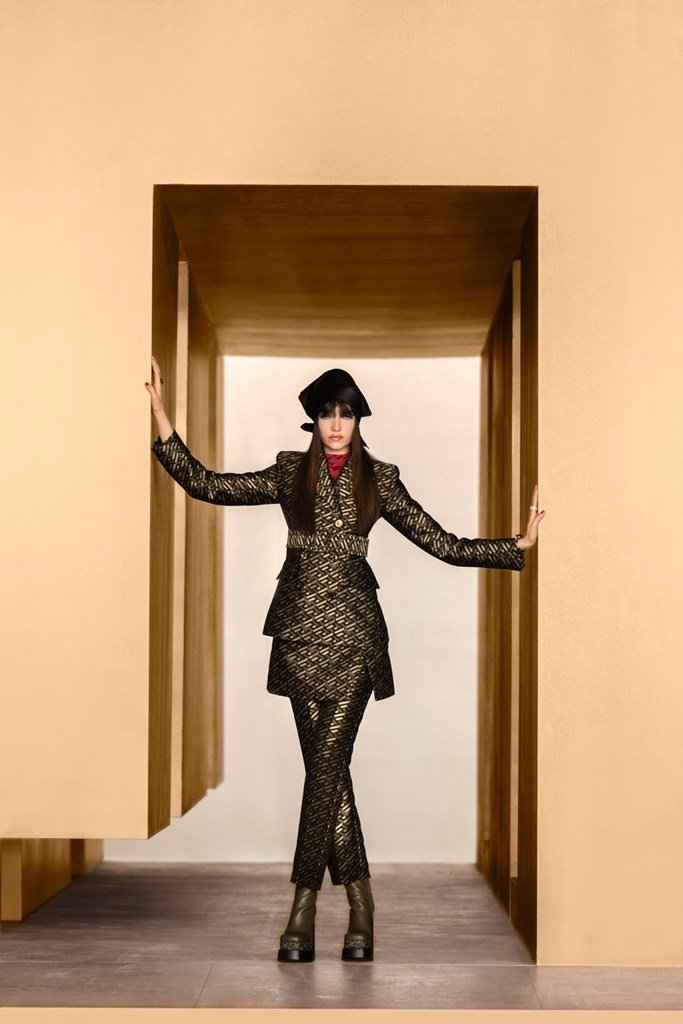 Versace_Fall2021_Fashionela (62)