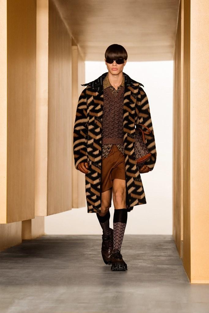 Versace_Fall2021_Fashionela (9)