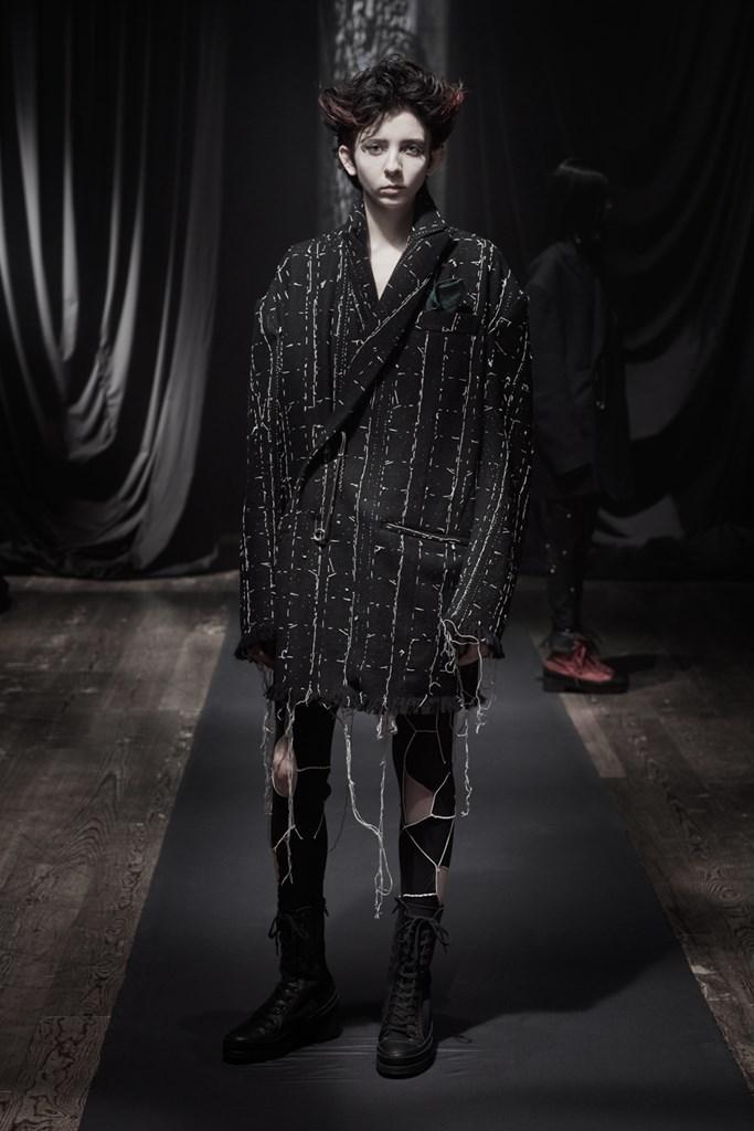 Yohji_Yamamoto_Fall2021_Fashionela (18)
