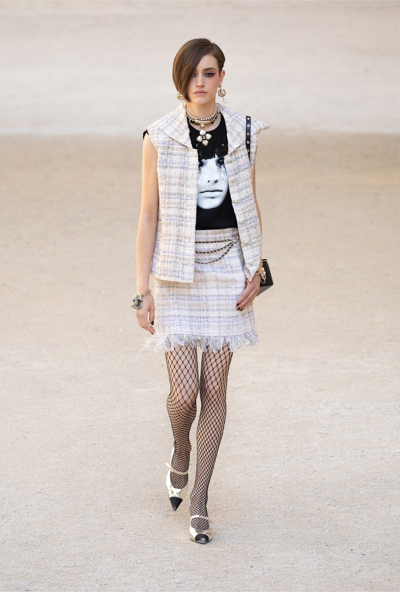 Chanel_Cruise_2022_Fashionela (18)
