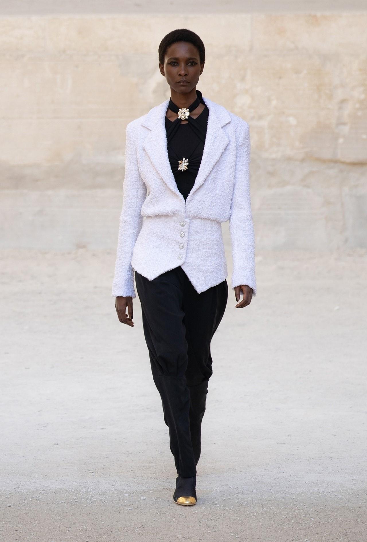 Chanel_Cruise_2022_Fashionela (2)