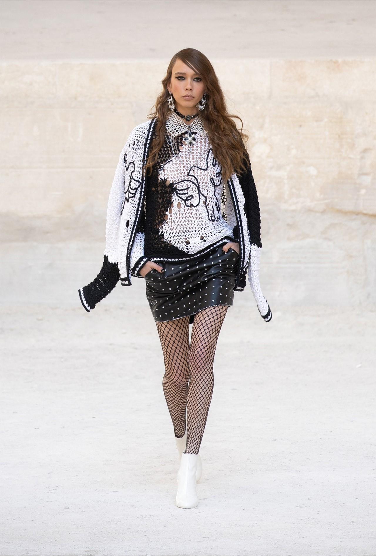 Chanel_Cruise_2022_Fashionela (24)