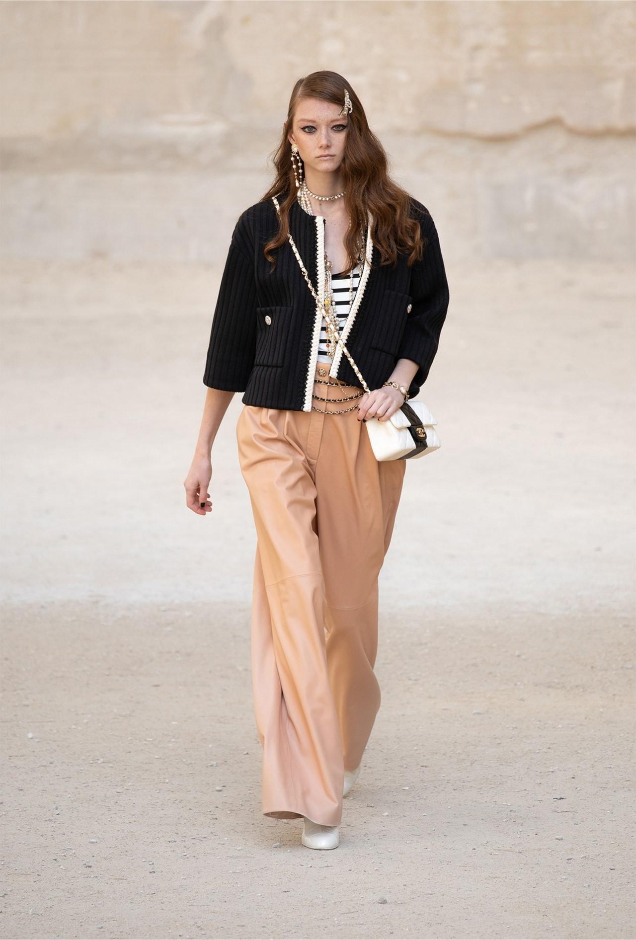 Chanel_Cruise_2022_Fashionela (47)