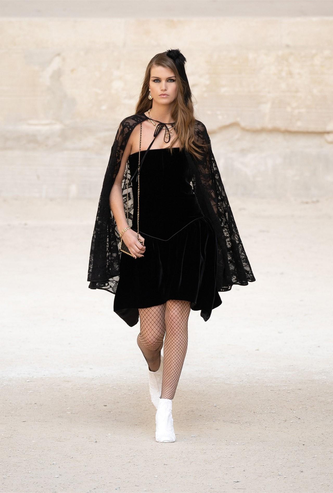 Chanel_Cruise_2022_Fashionela (63)