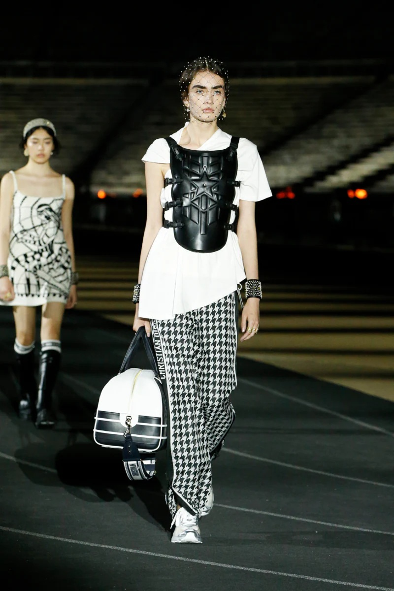 Dior_Cruise_2022_Fashionela (73)