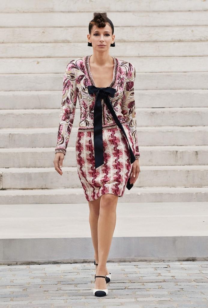 Chanel_Fall2021_Couture_Fashionela (14)