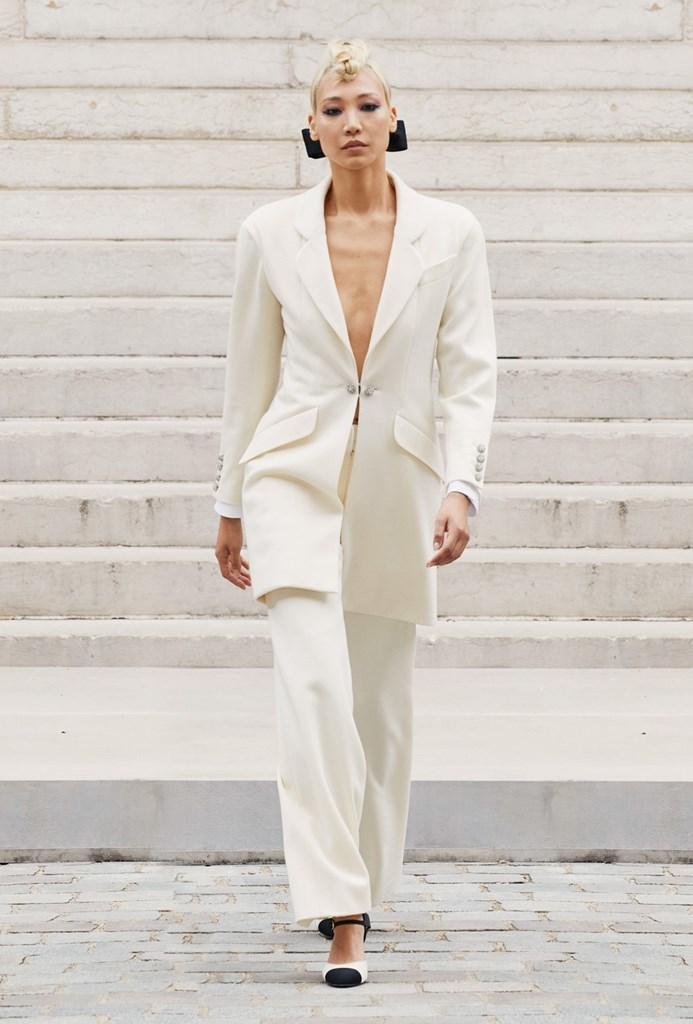 Chanel_Fall2021_Couture_Fashionela (23)