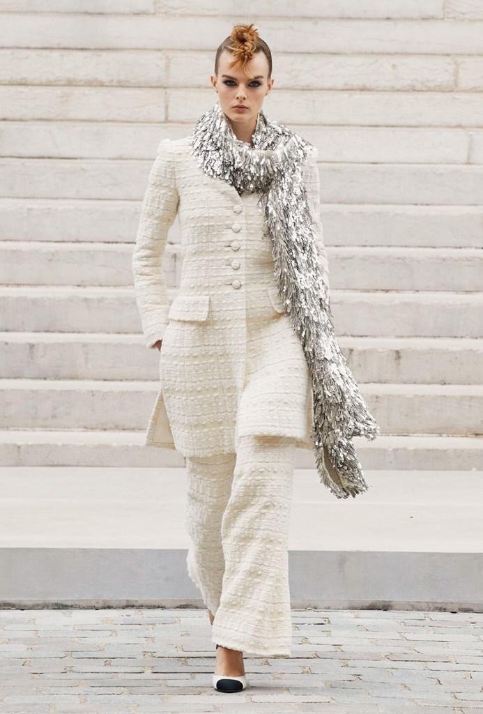 Chanel_Fall2021_Couture_Fashionela (25)