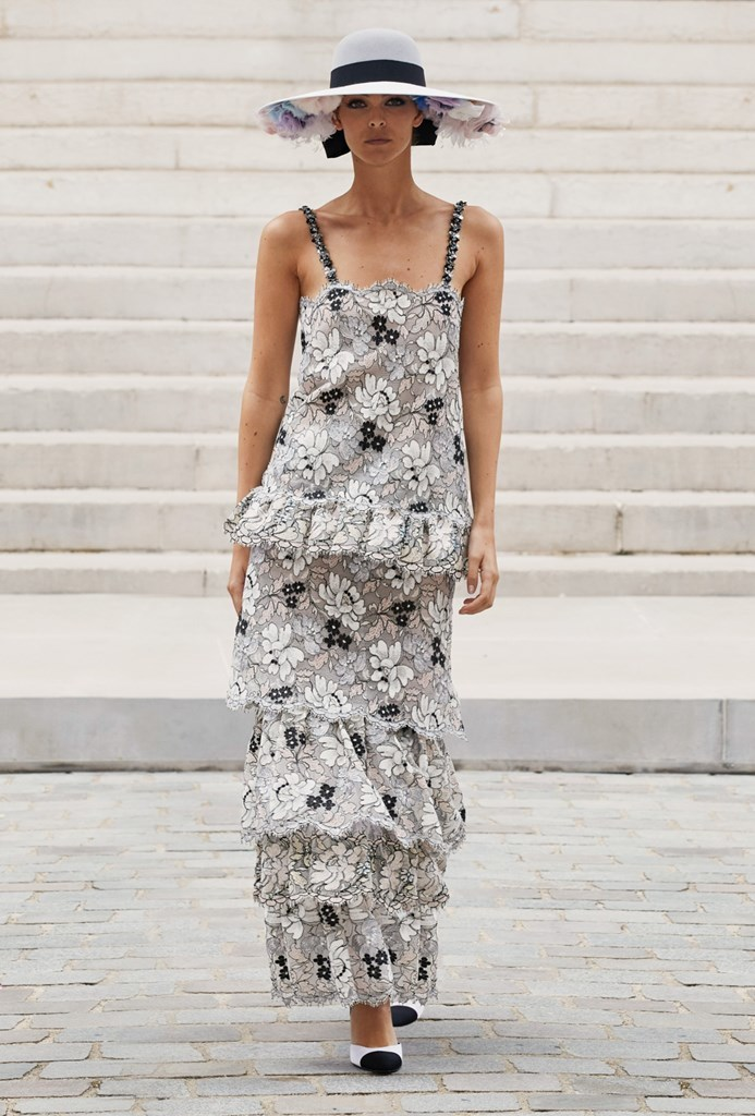 Chanel_Fall2021_Couture_Fashionela (30)