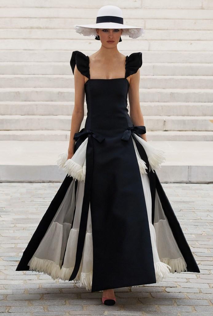 Chanel_Fall2021_Couture_Fashionela (34)