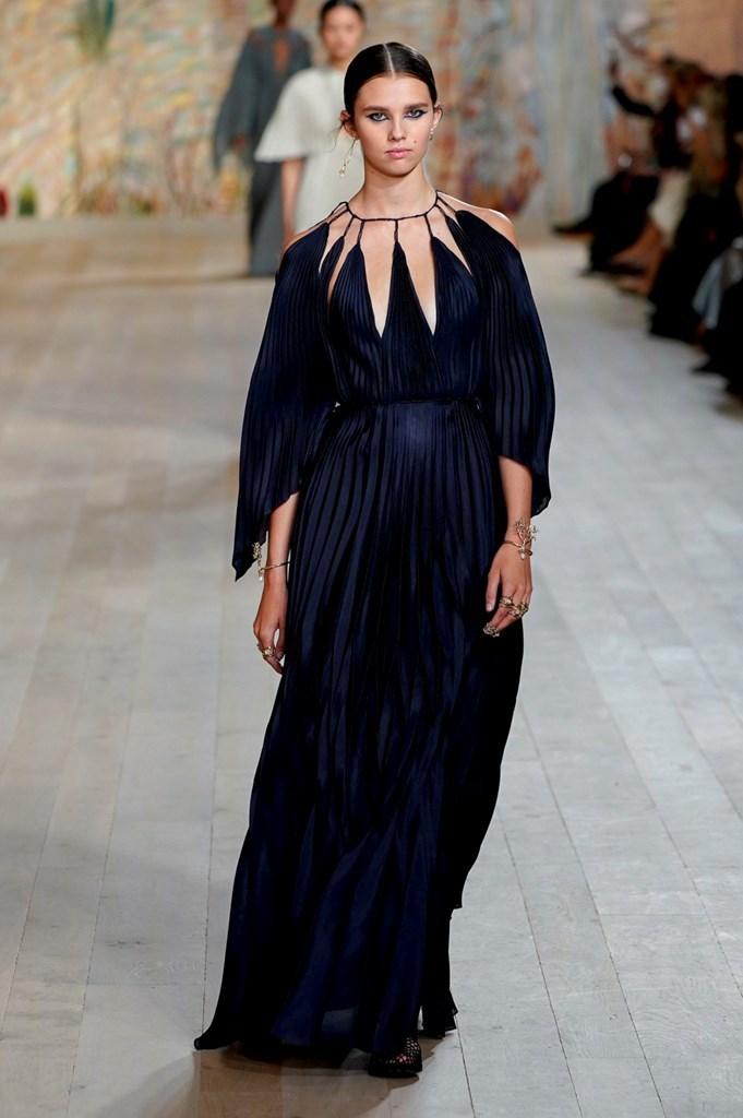 Dior_FW21_Couture_Fashionela (56)