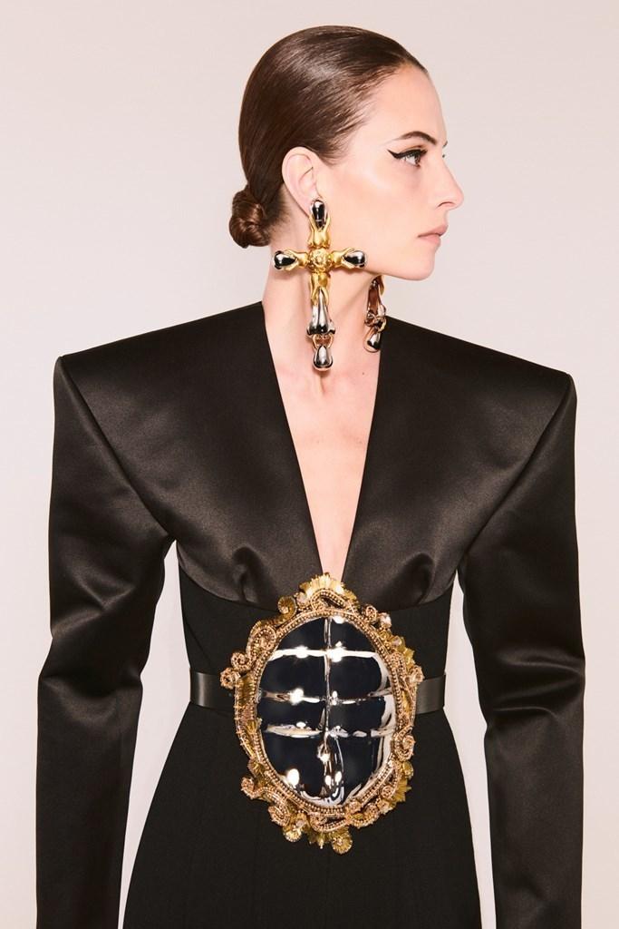 Schiaparelli_Couture_FW21_Fashionela (17)