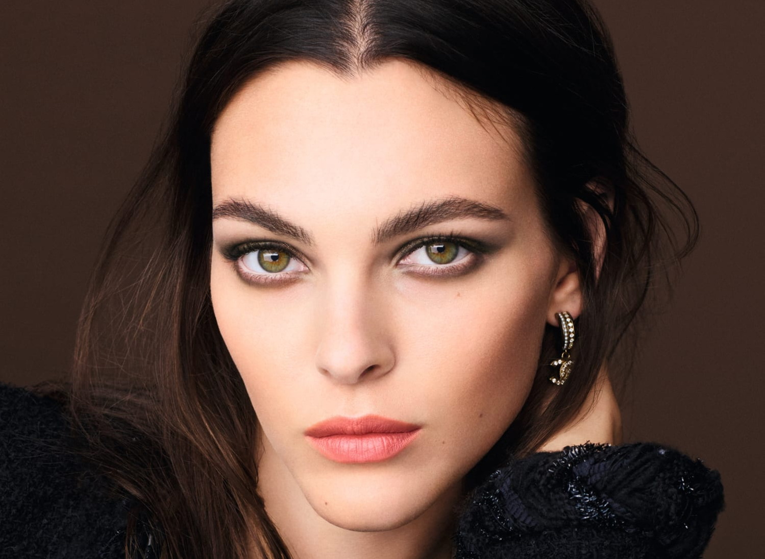 Chanel_FW21_Makeup_Fashionela