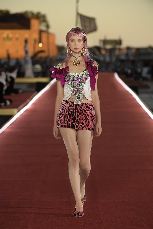 Dolce_Gabbana_Alta_Moda_2021_Fashionela (16)
