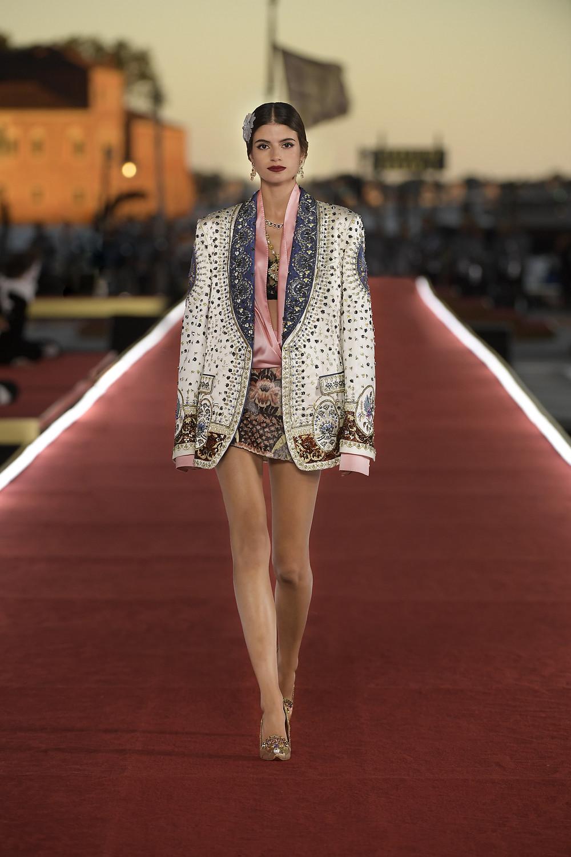 Dolce_Gabbana_Alta_Moda_2021_Fashionela (25)