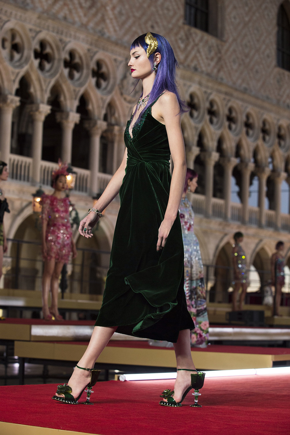 Dolce_Gabbana_Alta_Moda_2021_Fashionela (29)