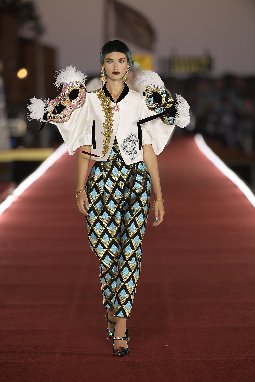 Dolce_Gabbana_Alta_Moda_2021_Fashionela (48)