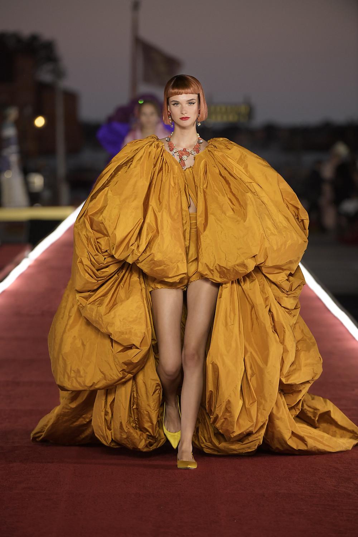 Dolce_Gabbana_Alta_Moda_2021_Fashionela (61)