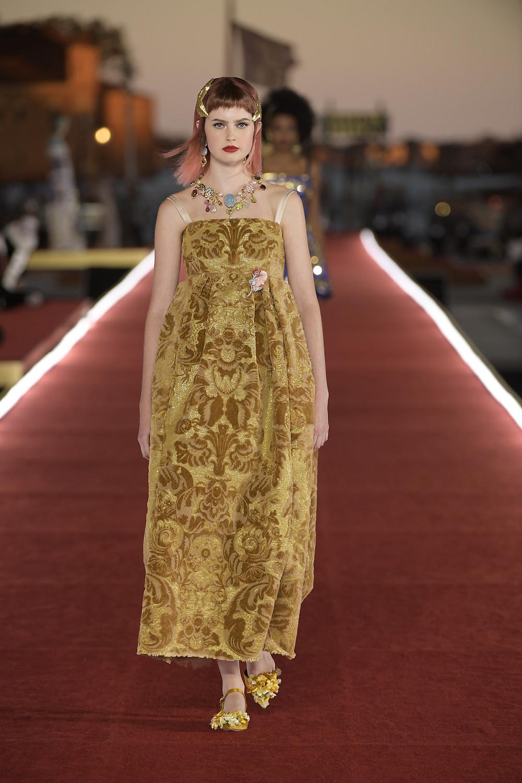 Dolce_Gabbana_Alta_Moda_2021_Fashionela (77)