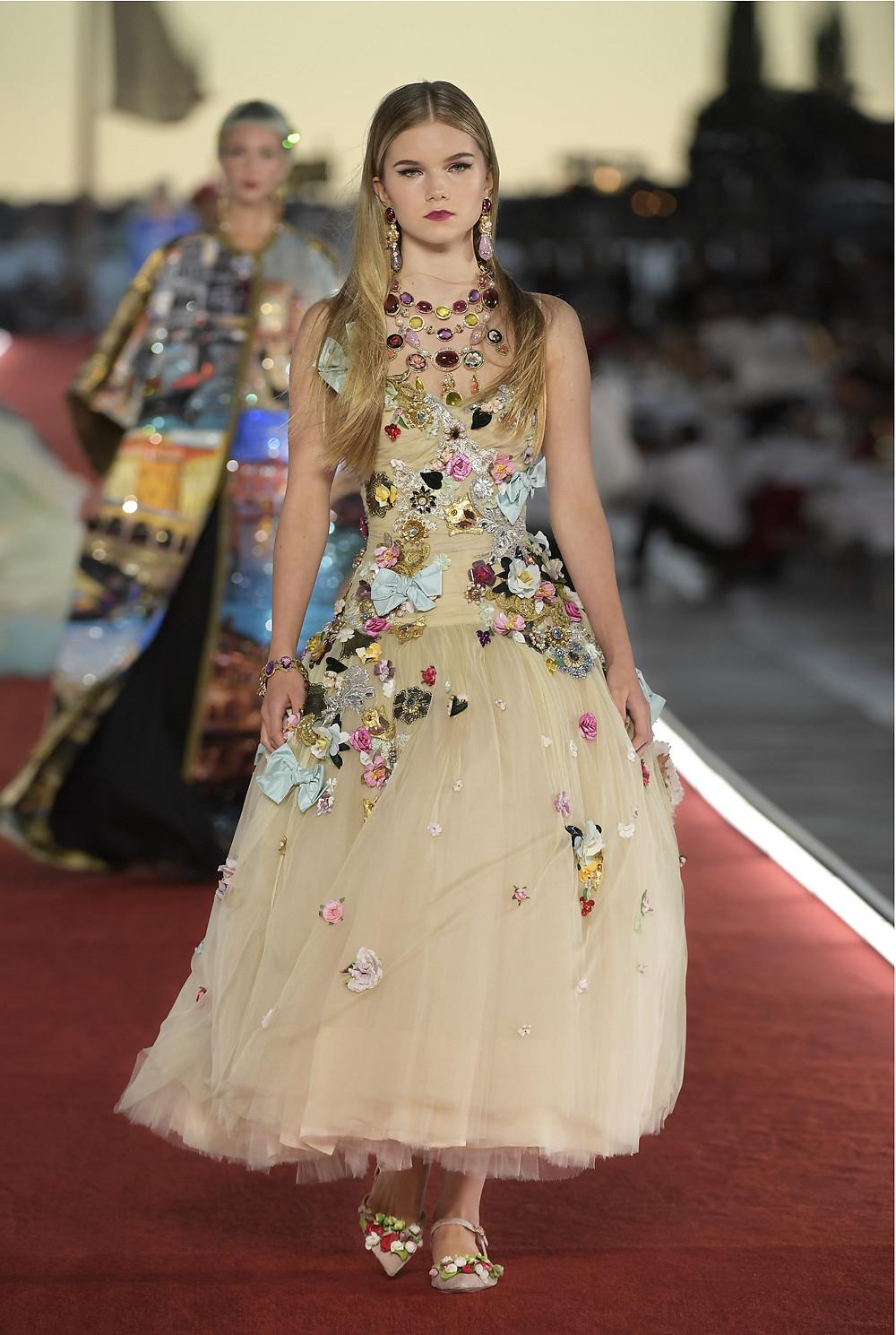Dolce_Gabbana_Alta_Moda_2021_Fashionela (86)