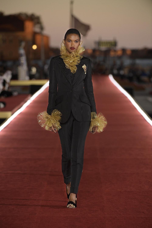 Dolce_Gabbana_Alta_Moda_2021_Fashionela (95)