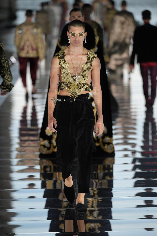 Dolce_Gabbana_Alta_Sartoria_2021_Fashionela (61)
